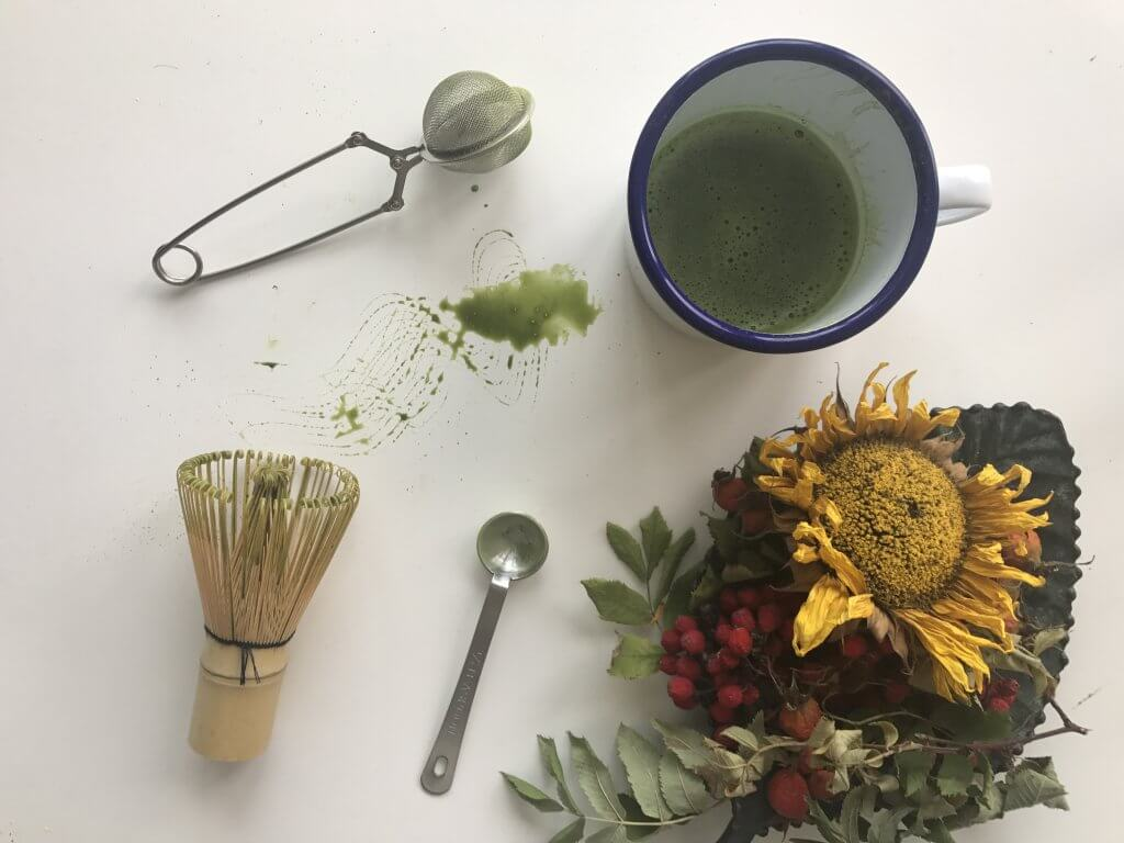 Njut av din kopp matcha te