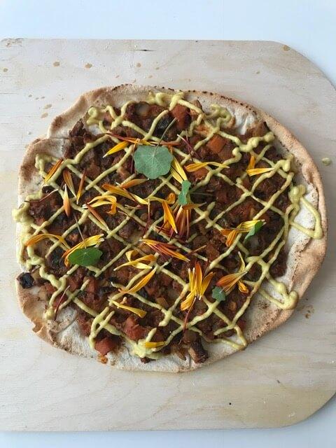 Pita Pizza Bolgonese
