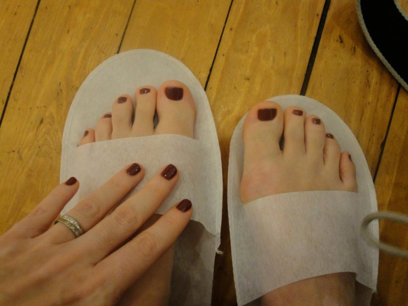 Sweet Lily Spa pedi mani