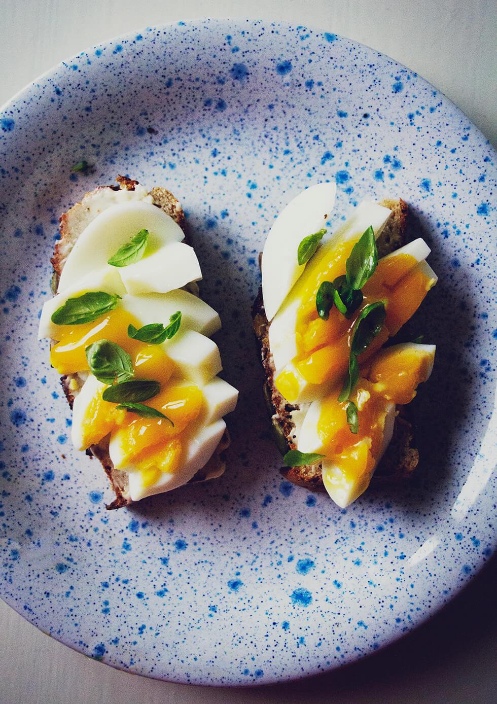glutenfritt_bröd_bakat_på_bovete_och_kokosmjöl
