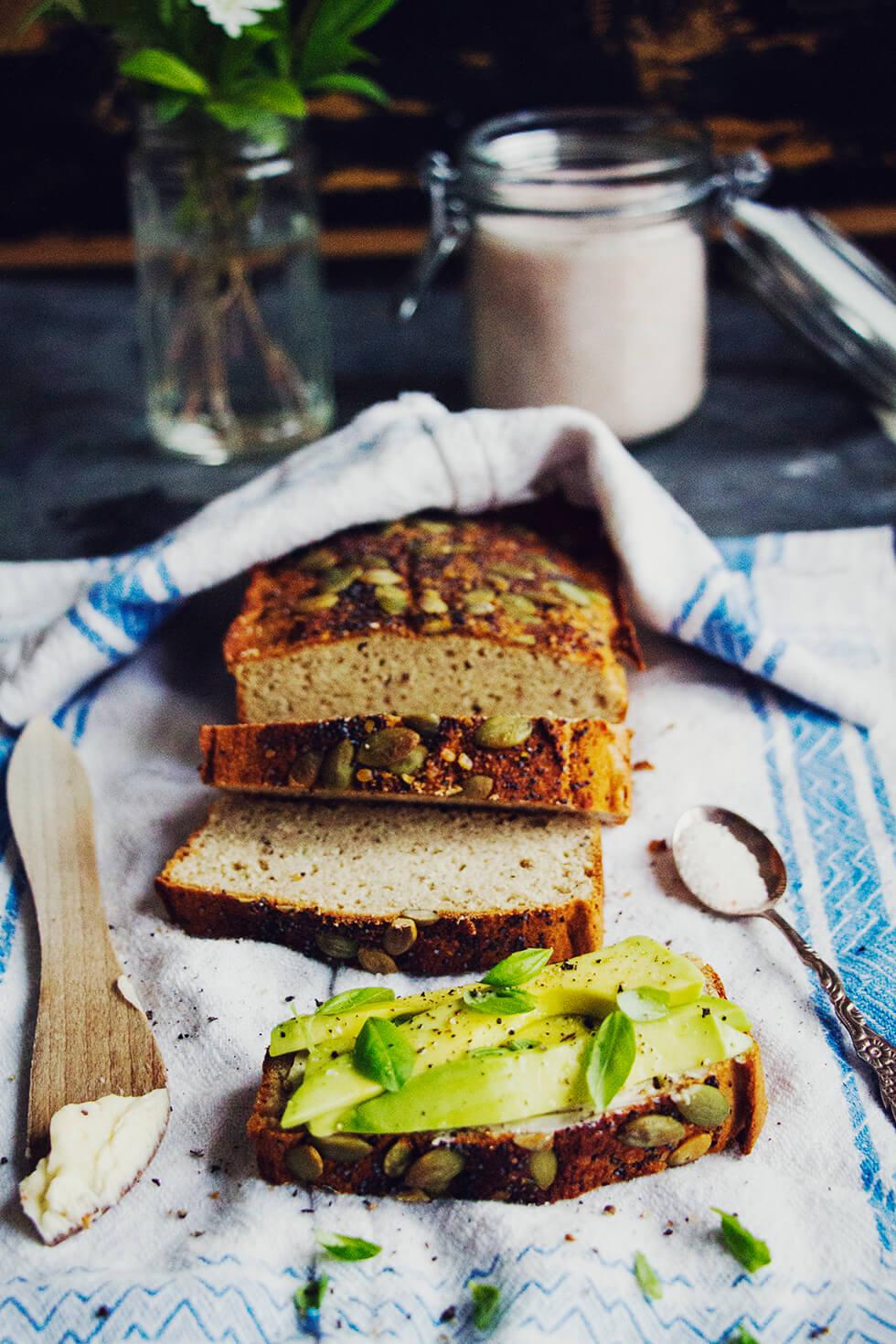 glutenfritt_bröd_bakat_på_bovete_och_kokosmjöl_7