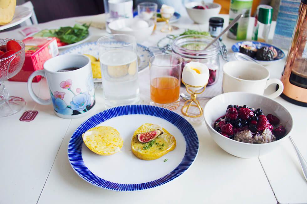 frukost_saffransscones_bovetegröt_hjortronglögg_2