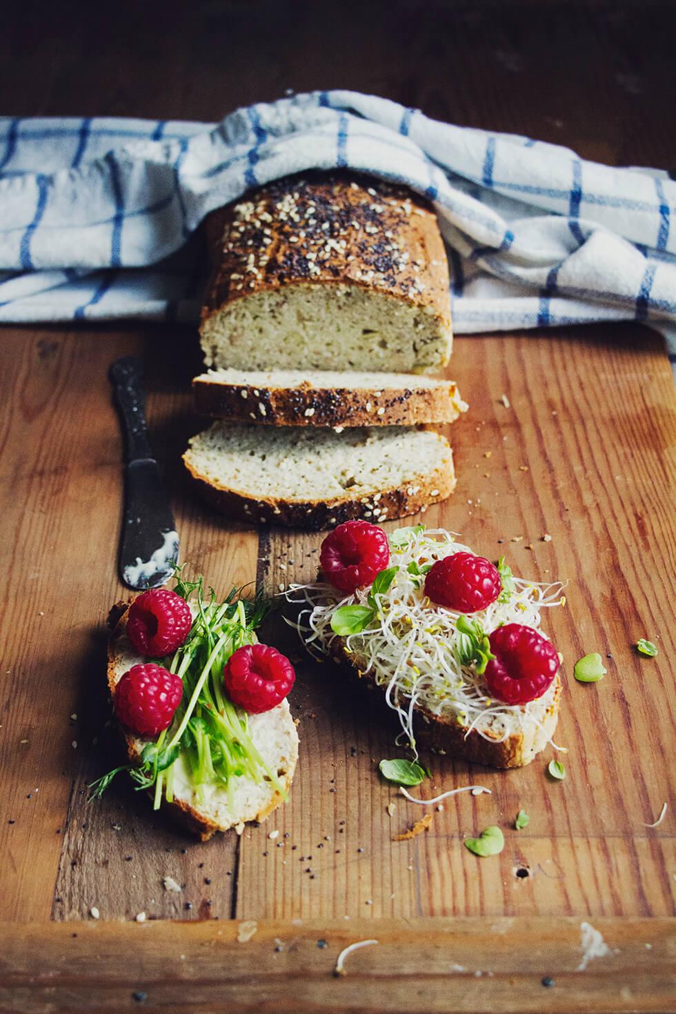 enkelt grovt bröd utan jäst och bakpulver