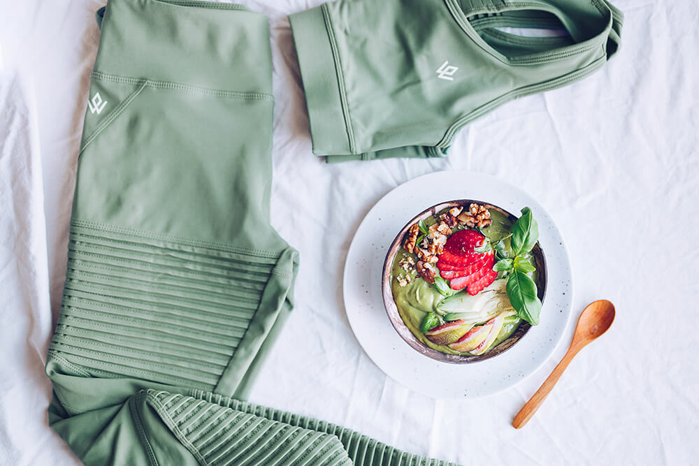 Grön smoothie med matchande outfit från Workout Empire! #tastethelook