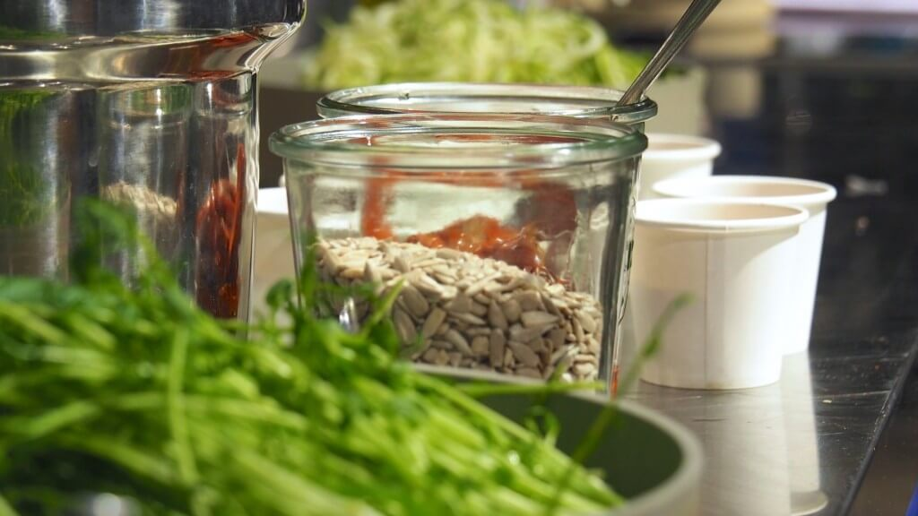rawfood maya nestorov