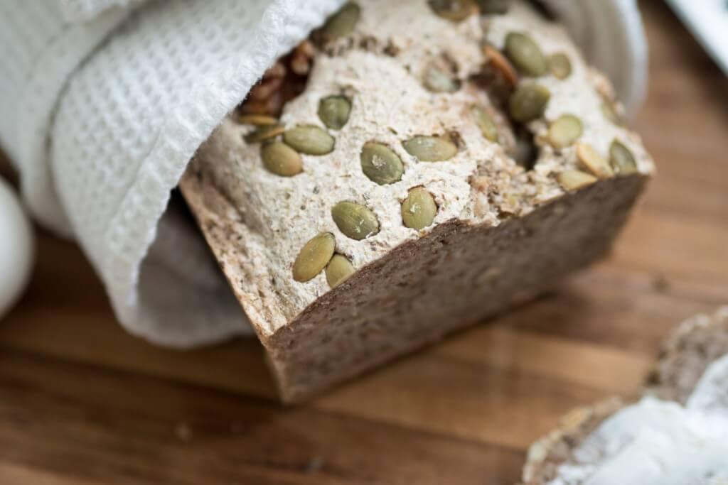 bröd med bovetemjöl