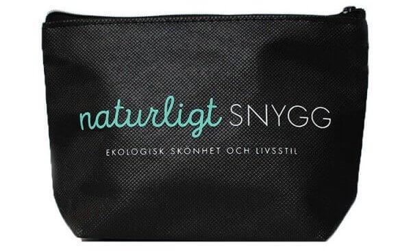 naturligtsnygg-sminkvaska-svart-600x600