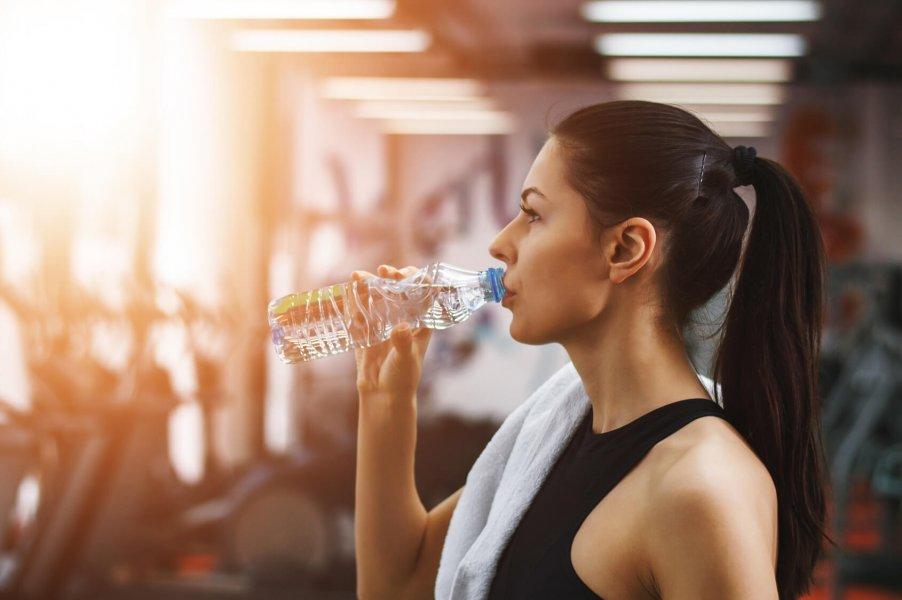drick vatten för håret